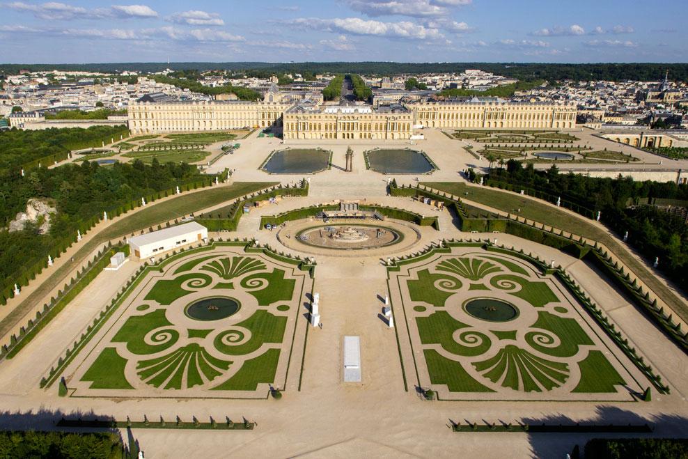 5 lieux visiter proches de paris for Piscine versailles