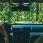 Longs trajets en voiture : que faut-il prévoir ?